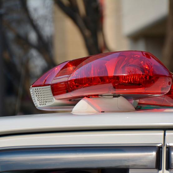 Policyjny wóz, ilustracja do artykułu o slangu ulicznym